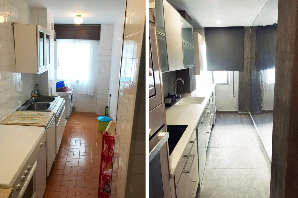 La cocina antes y después. Vinilo efecto espejo, gres porcelánico efecto cemento, pilares vistos de hormigón, encimera en Krion blanco.
